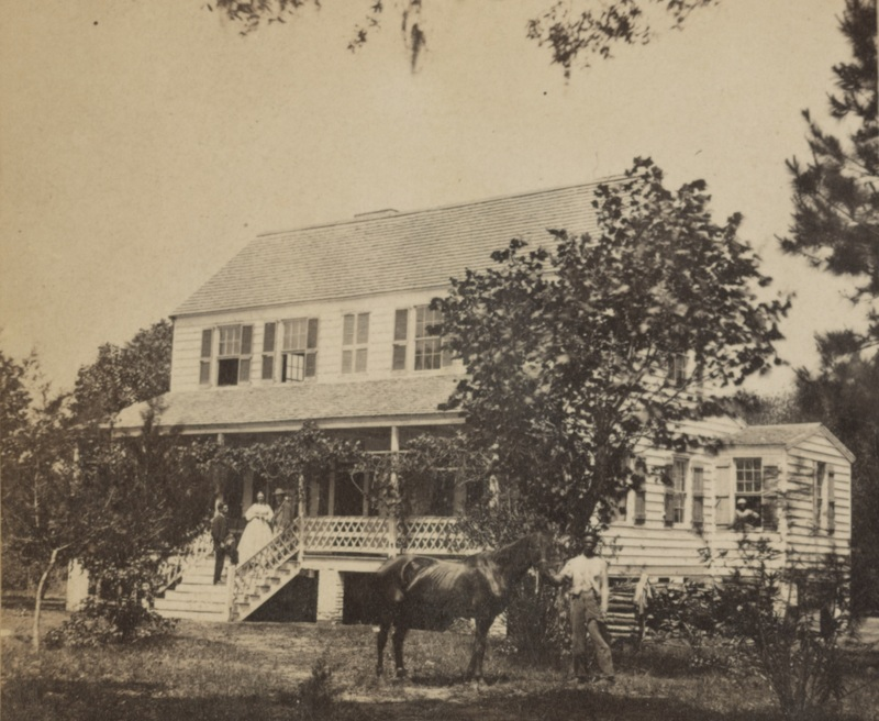 Sea island plantation home, photograph by Hubbard & Mix, Beaufort, South Carolina, ca. 1863-1866, courtesy of Library of Congress.