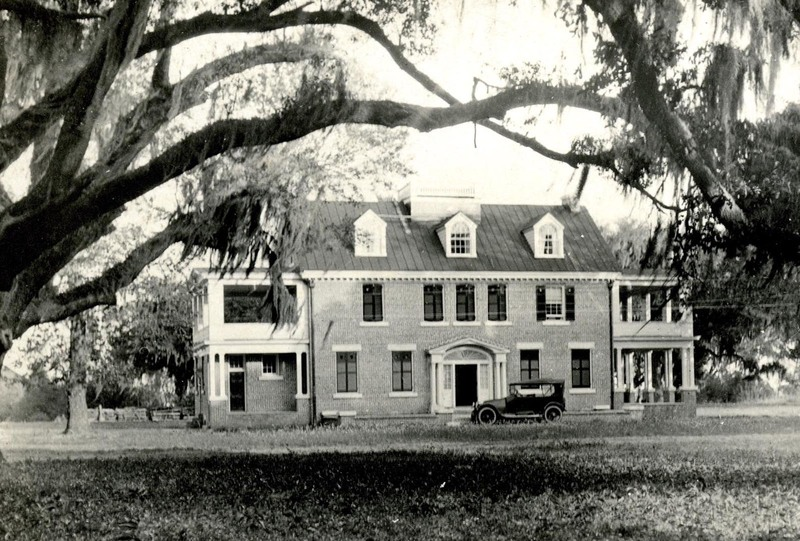 Newly built twentieth-century house on Dixie Plantation, photograph by Morton Brailsford Paine, Hollywood, South Carolina, 1919, courtesy of the Charleston Museum Archives.