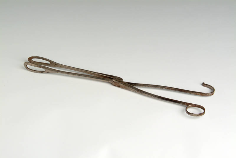Dr. Loomis Obstetrical Forceps, 1860, courtesy of Waring Historical Library Artifact Collection.