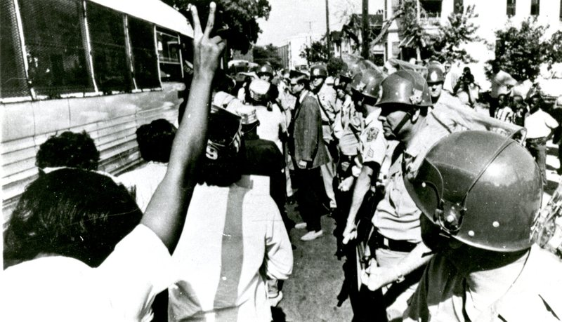 Strikers boarding bus, Charleston, South Carolina, 1969, courtesy of Avery Research Center.