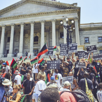 Counter-protesters at the South Carolina State House grounds for the KKK's Confederate flag rally, photograph by Zach NeSmith, July 18, 2015, Columbia, South Carolina.